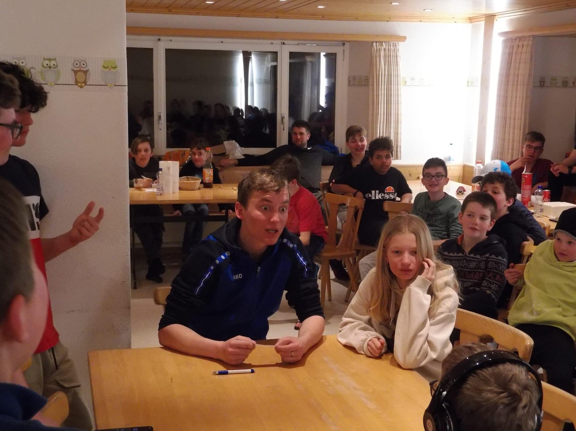 Skilager 2020 Freitag bunter Abend (10)