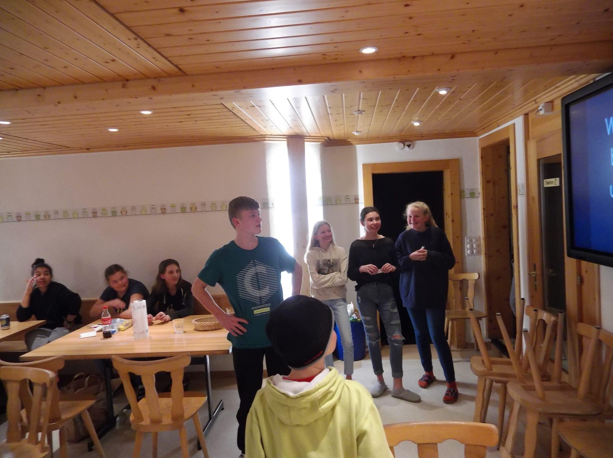 Skilager 2020 Freitag bunter Abend (4)
