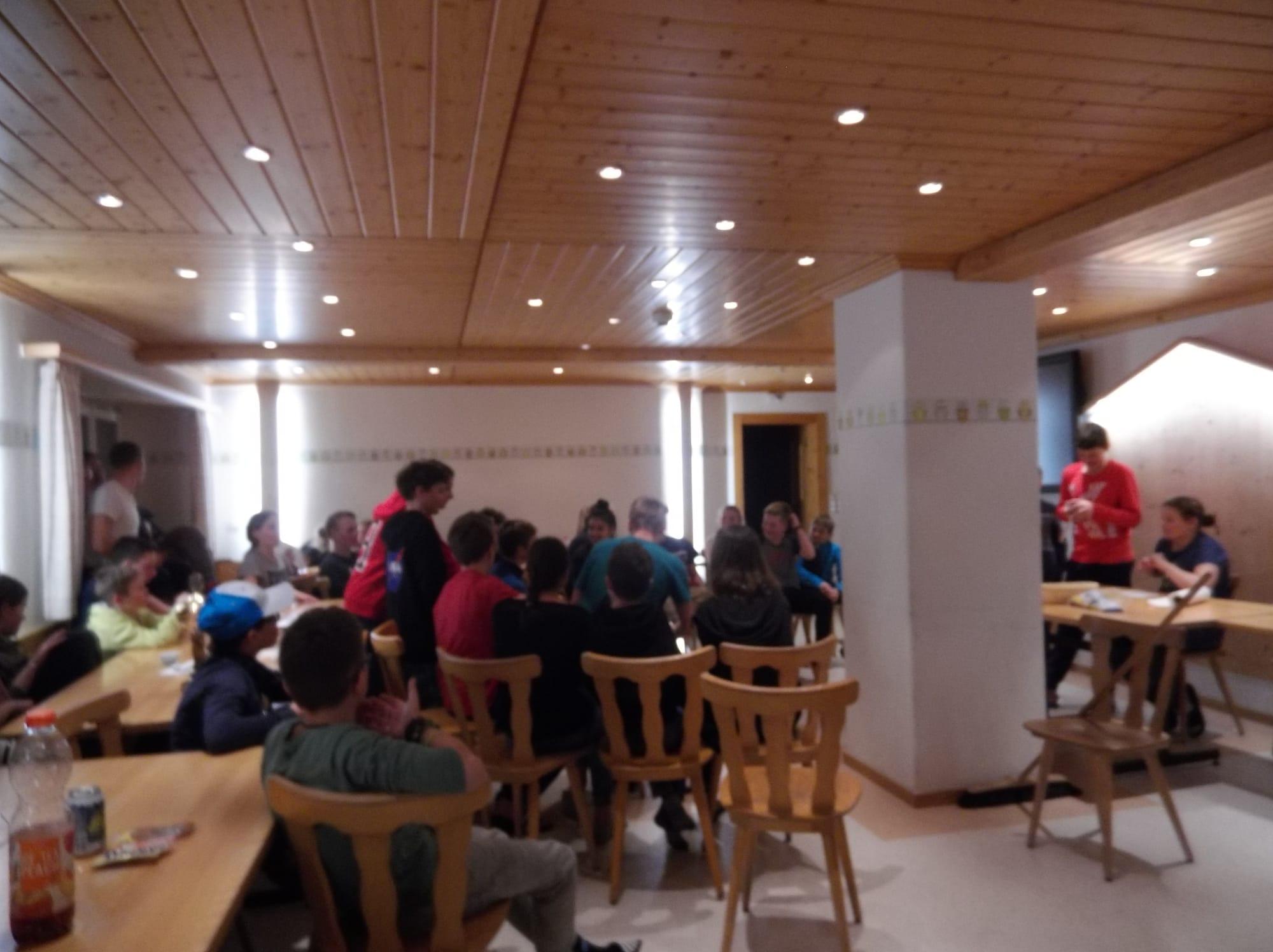 Skilager 2020 Freitag bunter Abend (5)