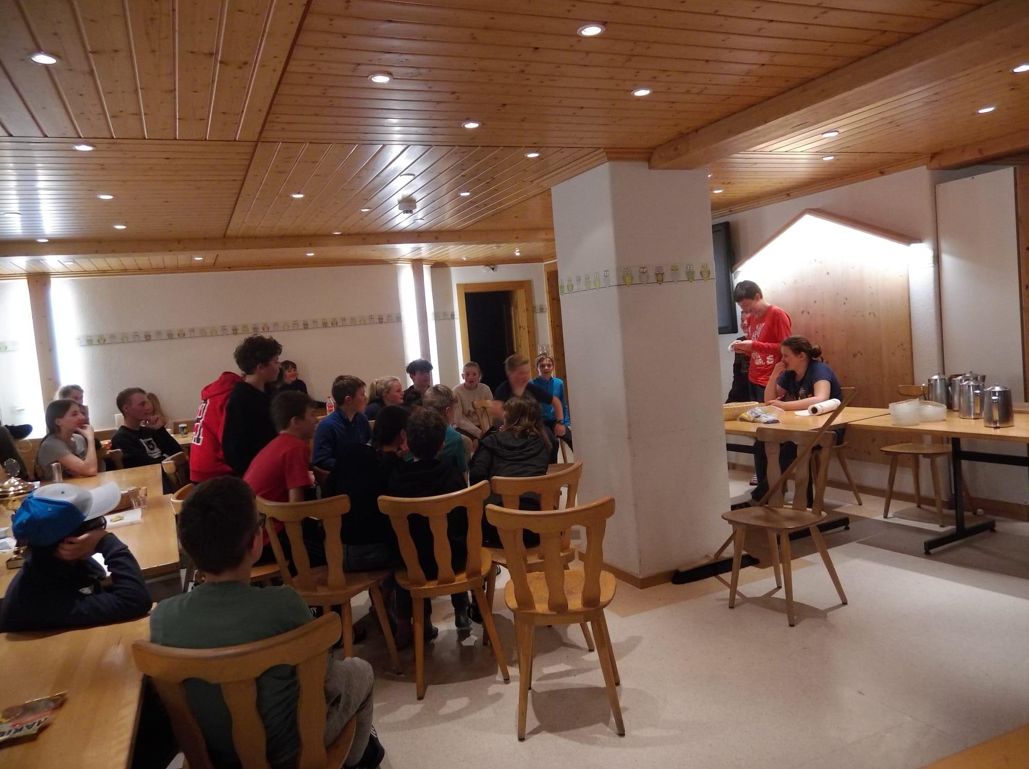 Skilager 2020 Freitag bunter Abend (6)